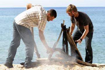 Matthew Fox e Dominic Monaghan nell'episodio 'Ragione e sentimento' di Lost
