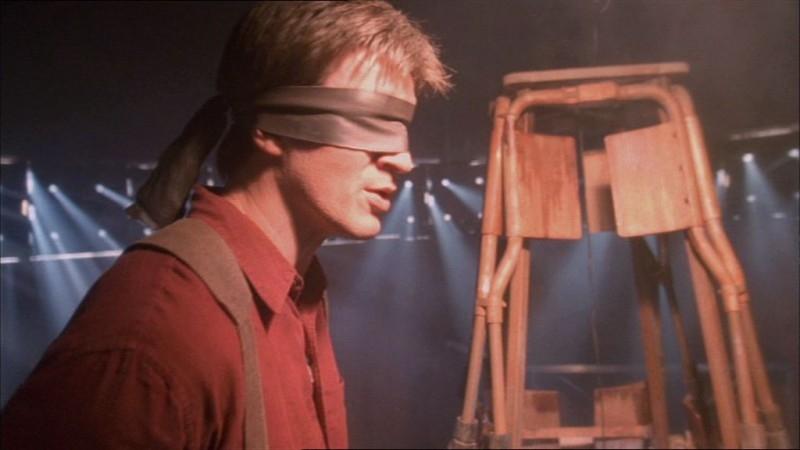 Nathan Fillion in una scena di Firefly, nell'episodio In azione!