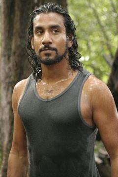 Naveen Andrews nell'episodio 'Ritorno' di Lost