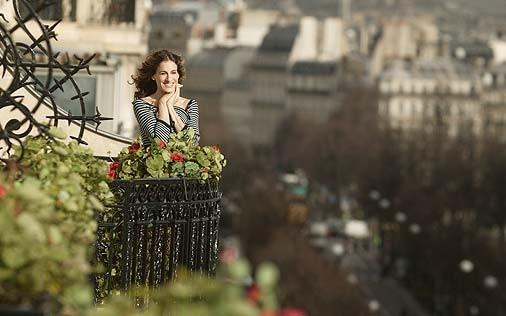 Sarah Jessica Parker in una scena di Sex and the City, episodio Un'americana a Parigi - Prima parte