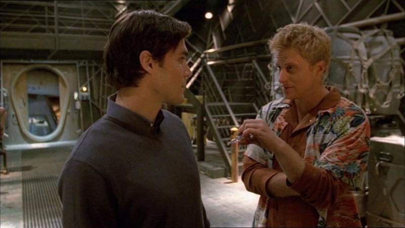 Sean Maher e Alan Tudyk in una scena di Firefly, episodio Colpo in ospedale
