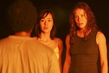 Yunjin Kim ed Evangeline Lilly nell'episodio 'Cambiamenti' di Lost