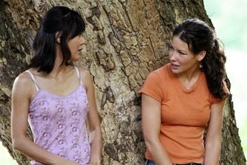 Yunjin Kim ed Evangeline Lilly nell'episodio 'Ragione e sentimento' di Lost