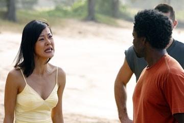 Yunjin Kim con Harold Perrineau nell'episodio 'Cambiamenti' di Lost
