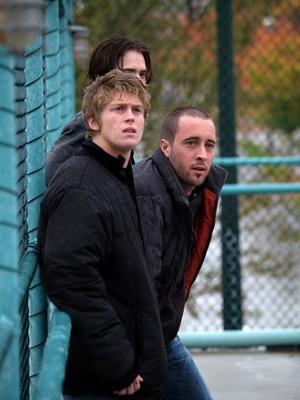 Andrew Francis e Alex O'Loughlin in una scena di The Invisible