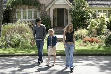 Makenzie Vega, Adam Brody e Kristen Stewart in una sequenza de Il bacio che aspettavo