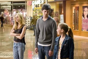 Makenzie Vega, Adam Brody e Kristen Stewart in una scena de Il bacio che aspettavo
