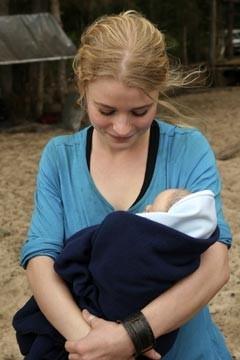 Emilie de Ravin nell'episodio 'Non nuovere' di Lost