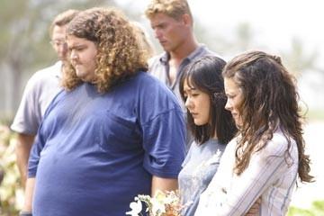Evangeline Lilly, Yunjin Kim e Jorge Garcia nell'episodio 'Il bene superiore' di Lost