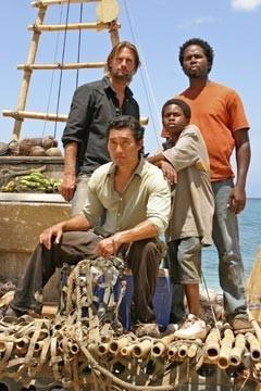 Josh Holloway, Harold Perrineau, Daniel Dae Kim e Malcolm David Kelley nell'episodio 'Esodo: parte 1' di Lost