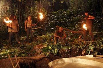 Terry O'Quinn, Matthew Fox, Evangeline Lilly e Jorge Garcia nell'episodio 'Esodo: parte 2' di Lost