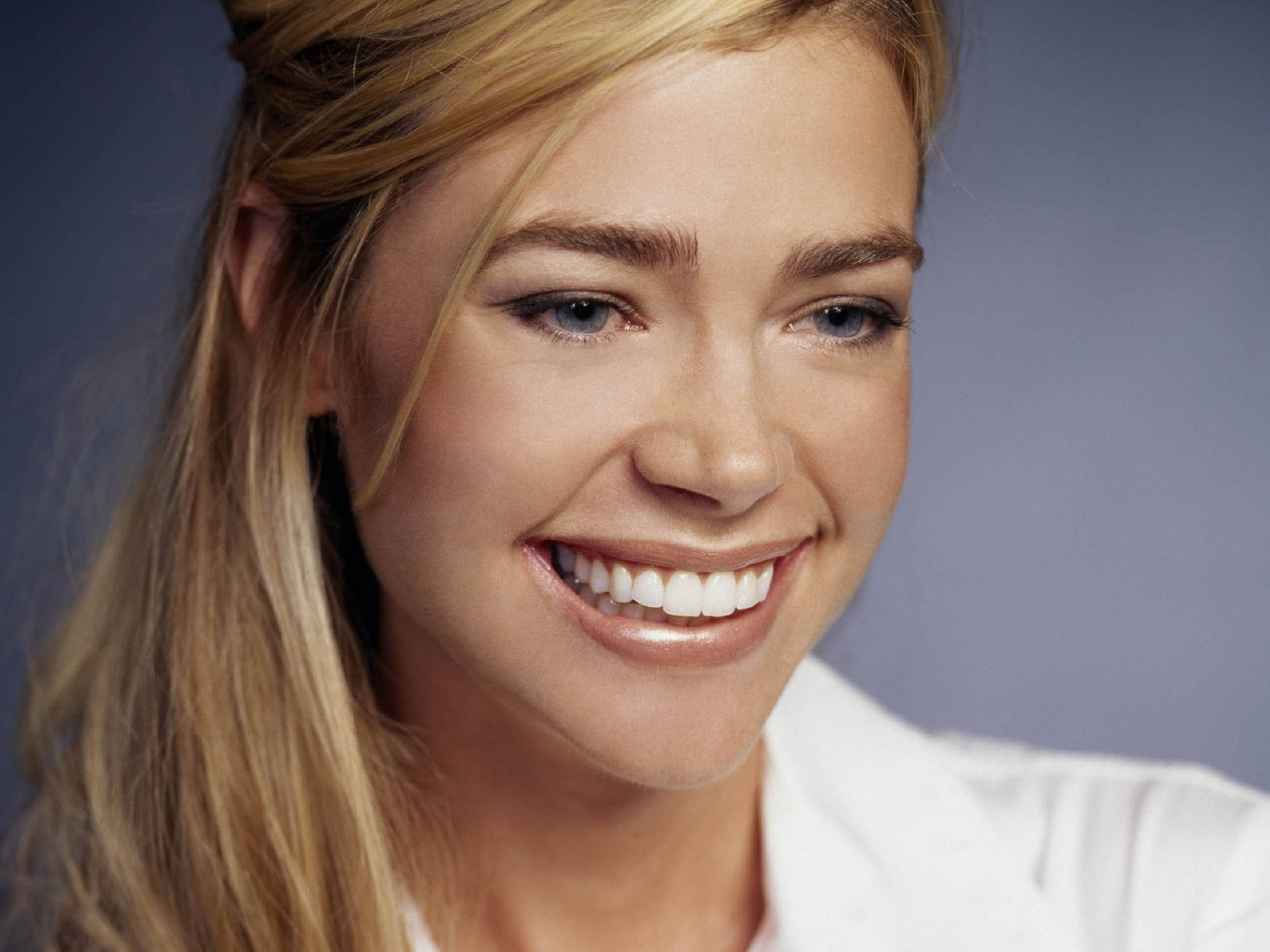 Wallpaper di Denise Richards - 35