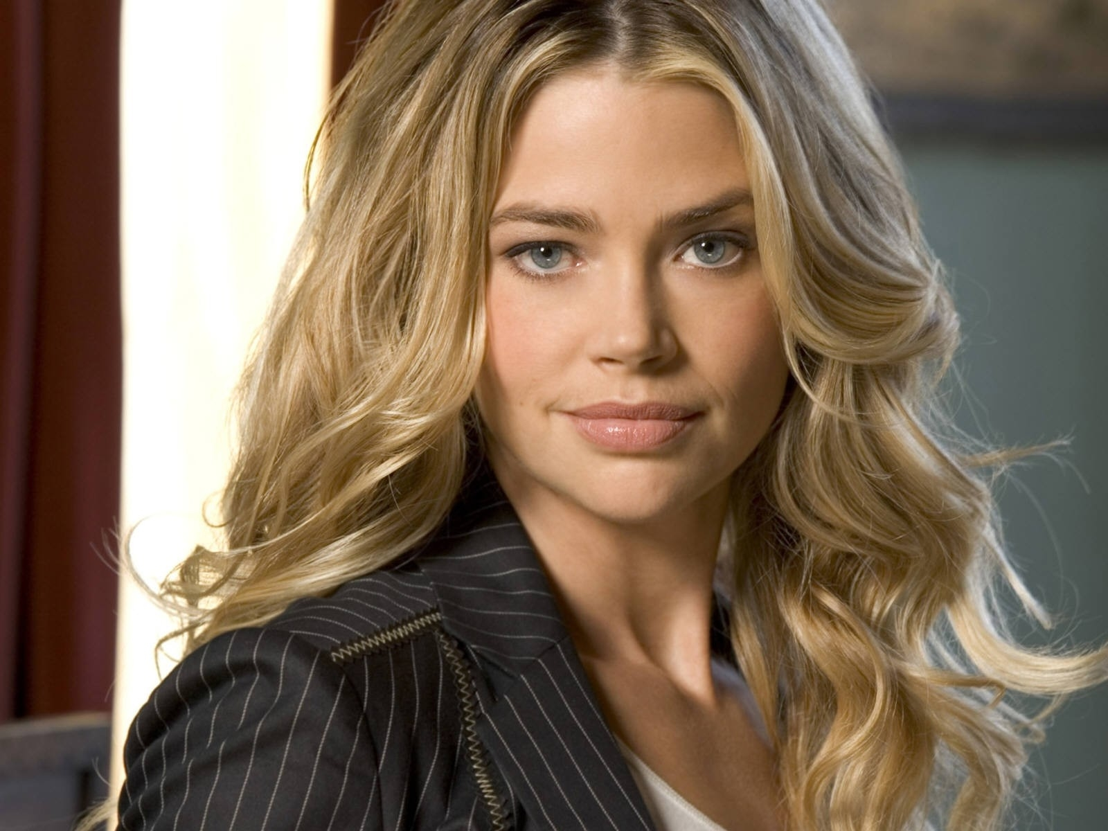 Wallpaper di Denise Richards - 36