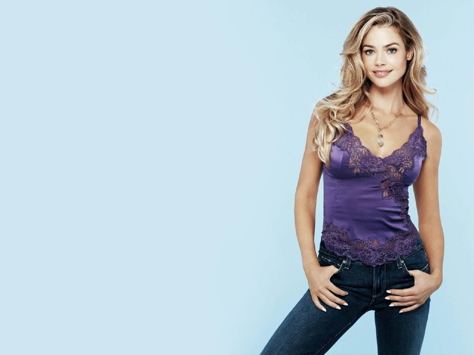 Wallpaper di Denise Richards - 44
