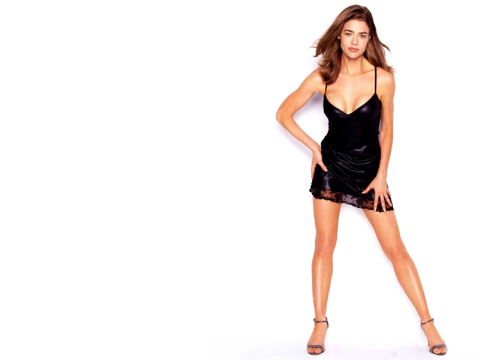 Wallpaper di Denise Richards - 50