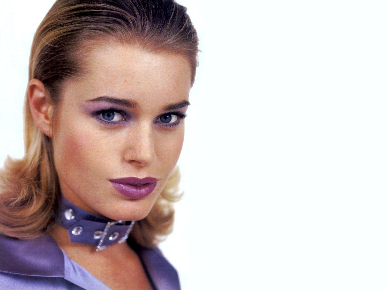 Wallpaper: make-up violaceo per Rebecca Romijn