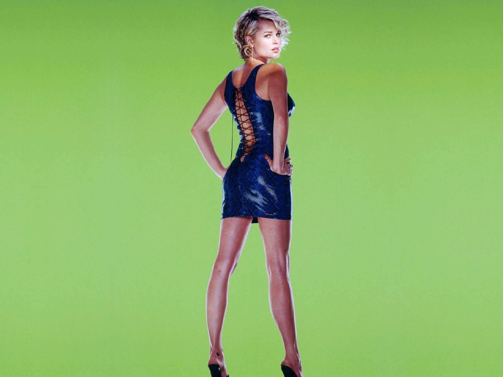 Wallpaper: Rebecca Romijn, bomba sexy del cinema USA