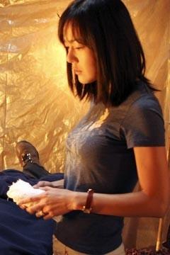 Yunjin Kim nell'episodio 'Non nuovere' di Lost