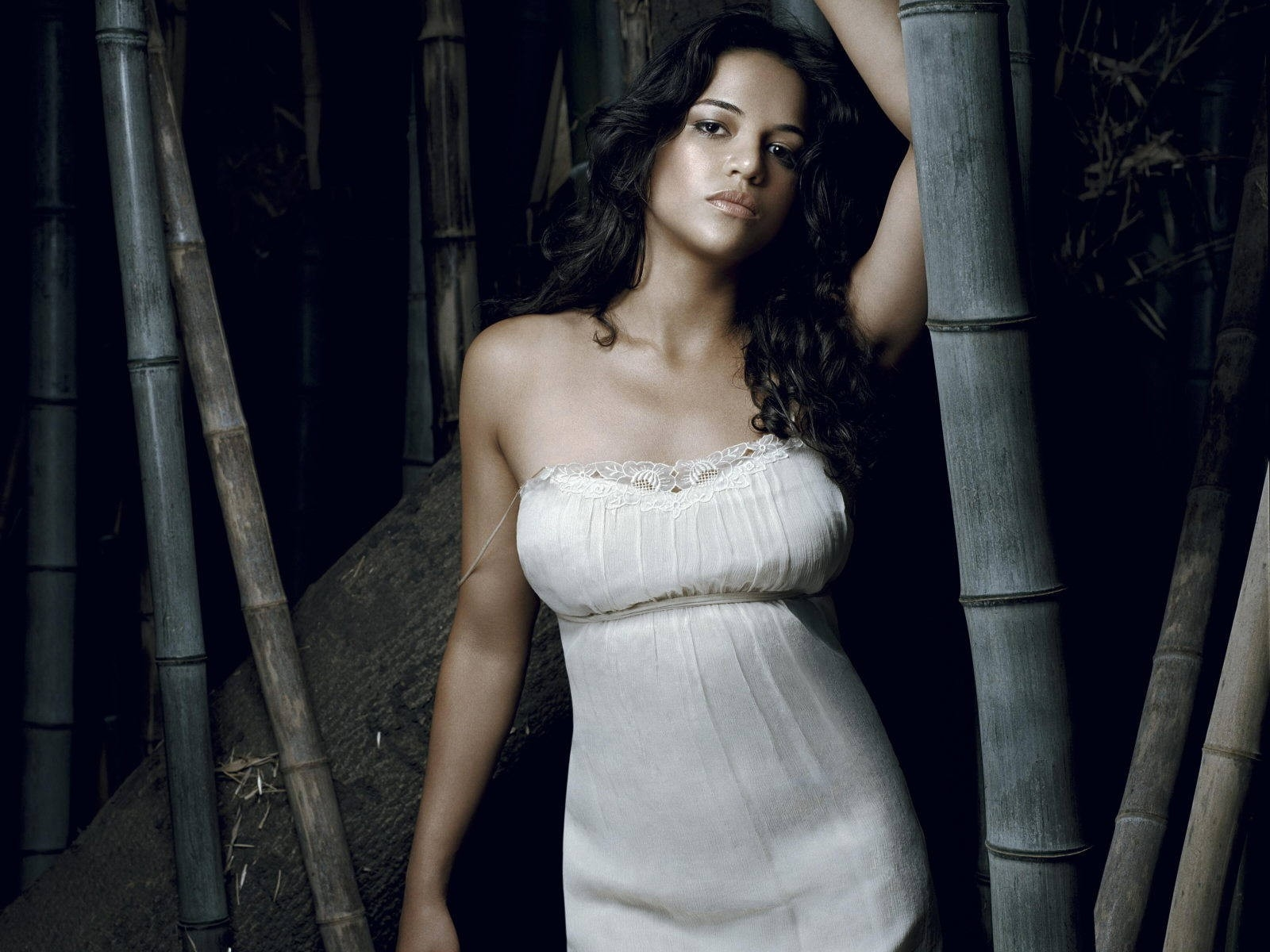 Wallpaper di Michelle Rodriguez - 41
