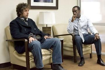 Adam Sandler e Don Cheadle in una sequenza del film Reign Over Me
