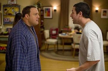 Adam Sandler e Kevin James in una immagine di Io vi dichiaro marito e...marito