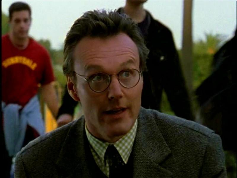 Anthony Head in una scena di Buffy - L'ammazzavampiri, episodio L'angelo custode
