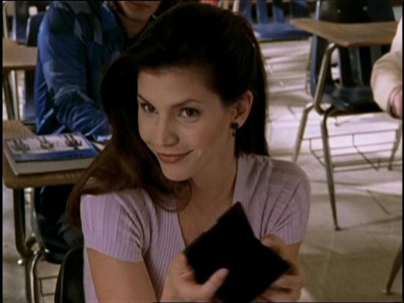 Charisma Carpenter in una scena di Buffy - L'ammazzavampiri, episodio Incubi