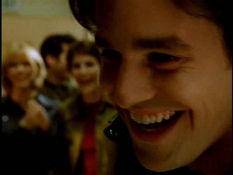Un primo piano di Nicholas Brendon in una scena di Buffy - L'ammazzavampiri, episodio Il branco
