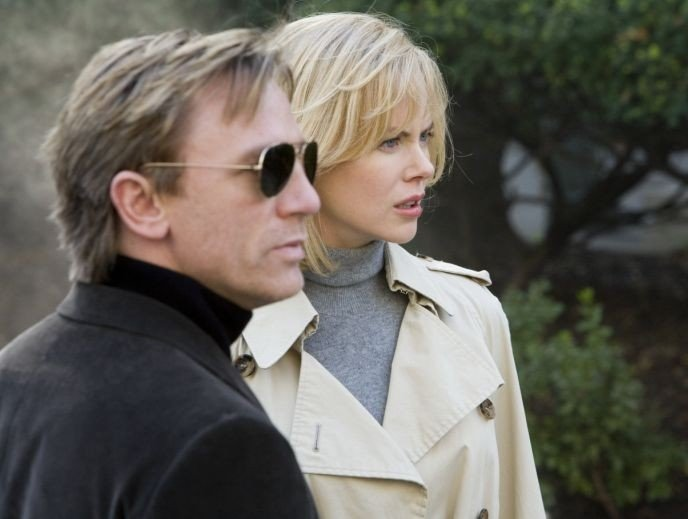 Nicole Kidman e Daniel Craig  in una scena di The Invasion