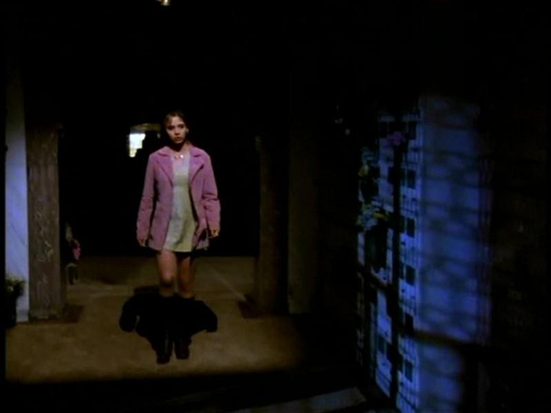 Sarah Michelle Gellar in una immagine di Buffy - L'ammazzavampiri, episodio Il primo appuntamento