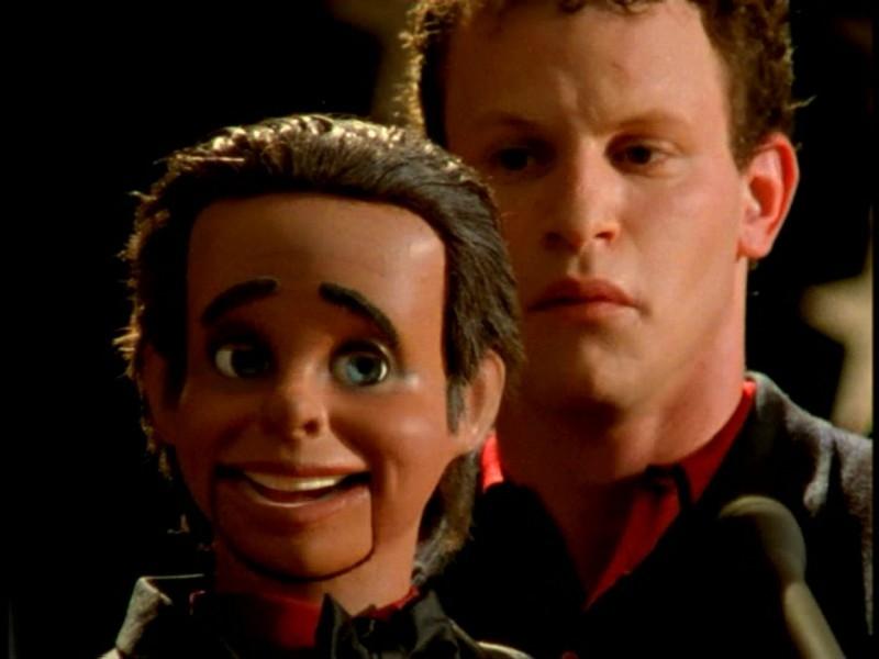 Una scena di Buffy - L'ammazzavampiri, episodio Il teatro di burattini