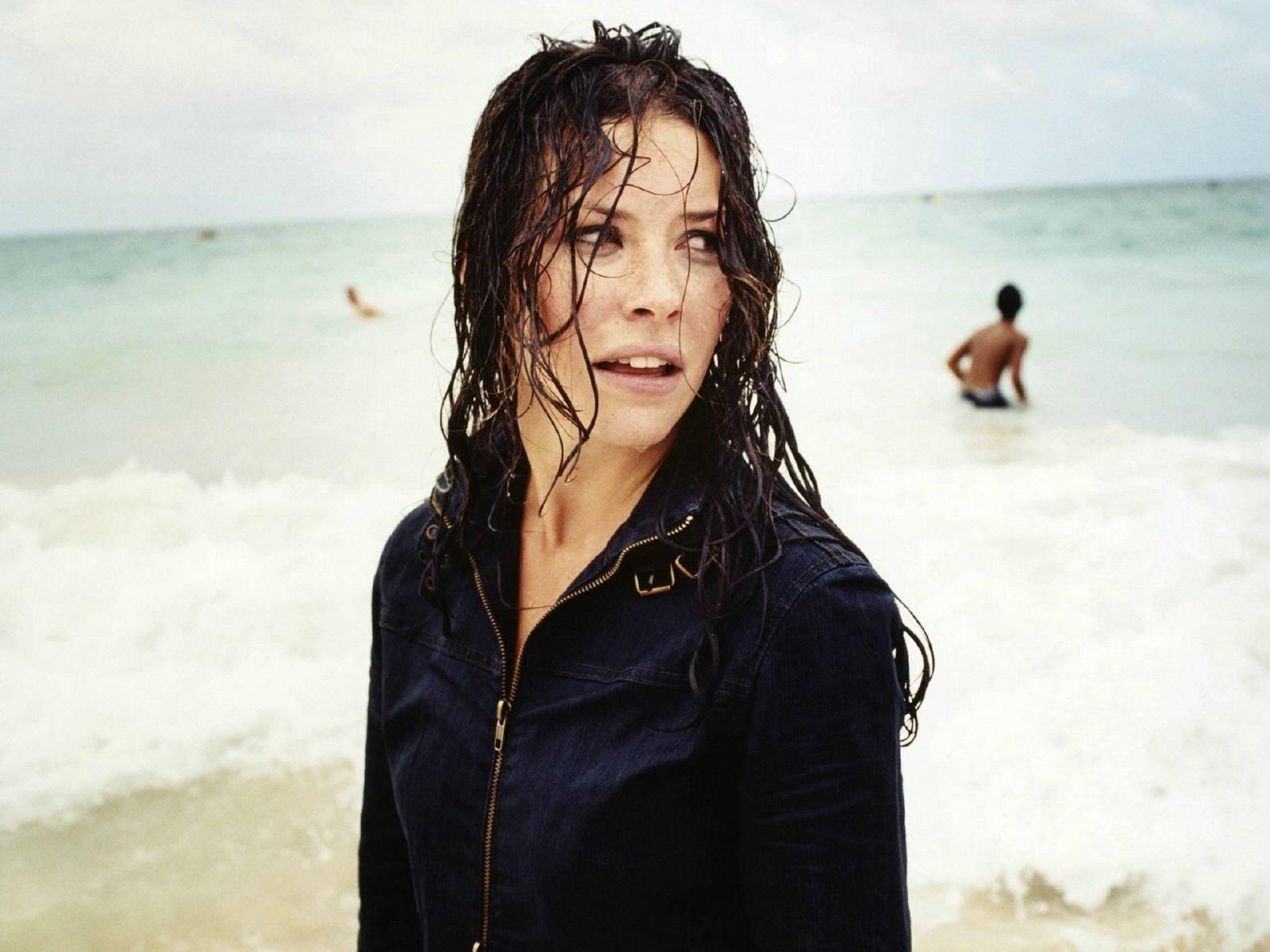 Wallpaper dell'attrice Evangeline Lilly