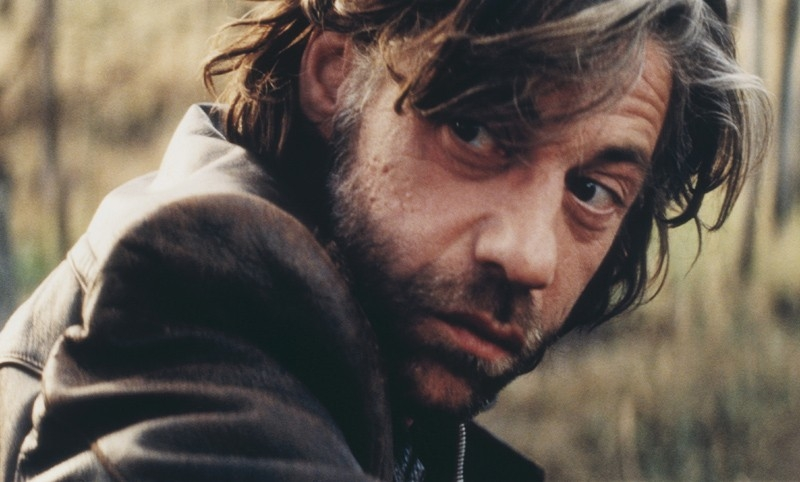 Birol Ünel  in una sequenza del film Transylvania