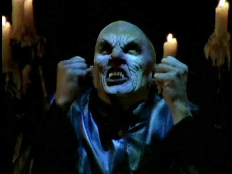 Una sequenza di Buffy - L'ammazzavampiri, episodio La profezia