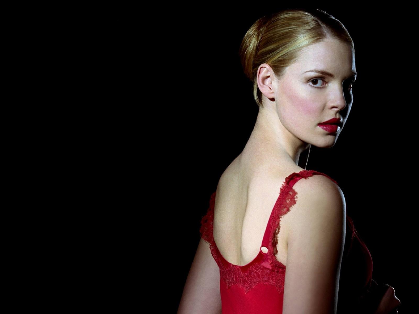 Wallpaper di Katherine Heigl in abito rosso