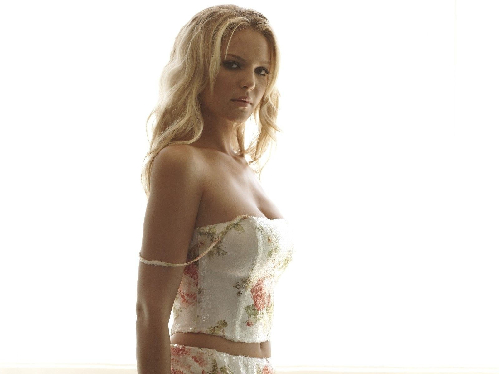 Wallpaper di Katherine Heigl in lingerie