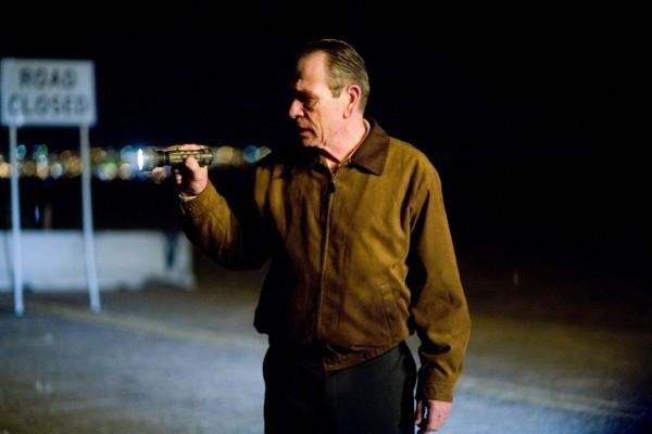 Tommy Lee Jones in una scena di In the Valley of Elah