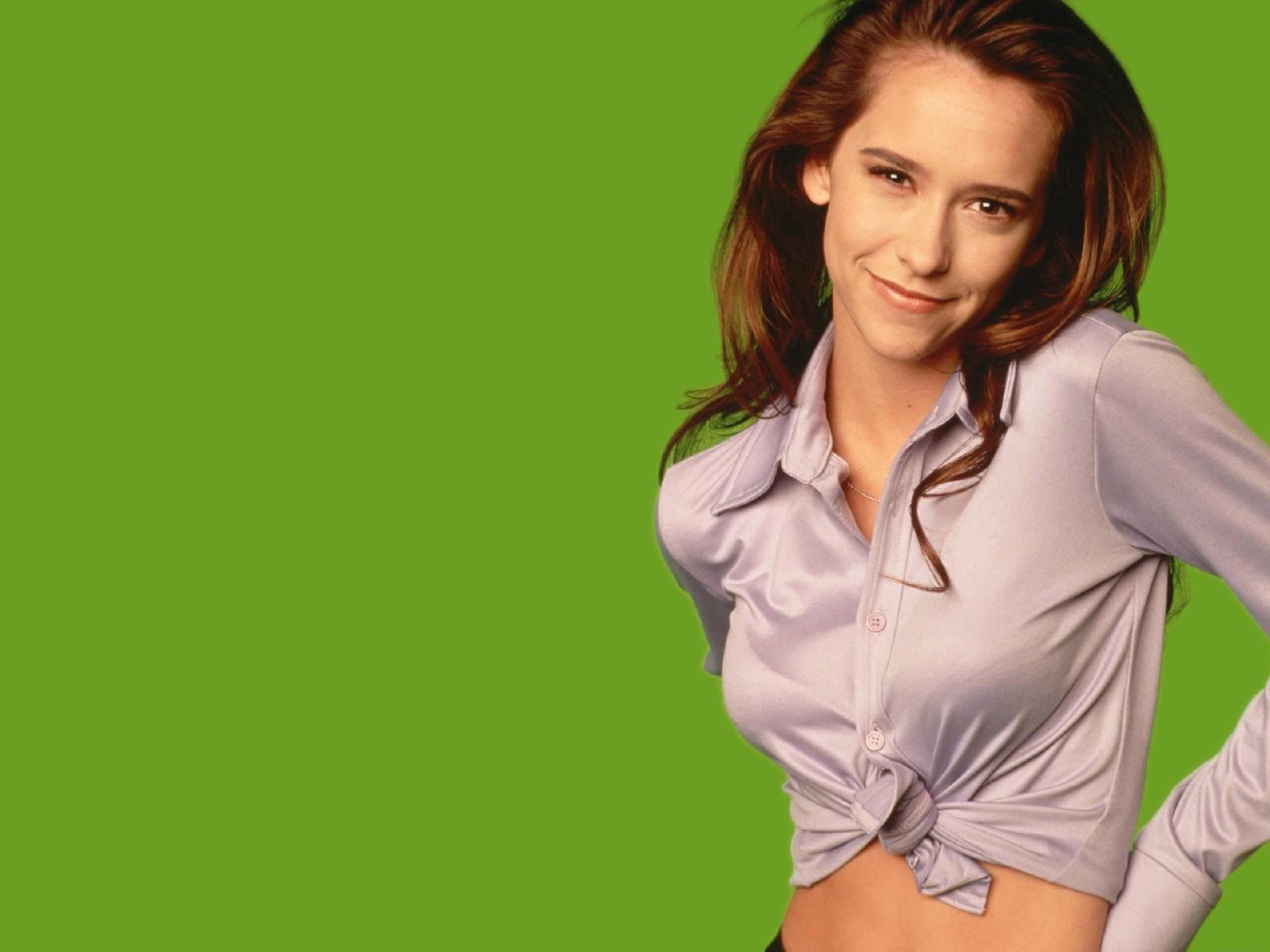 Wallpaper di Jennifer Love Hewitt su fondo verde