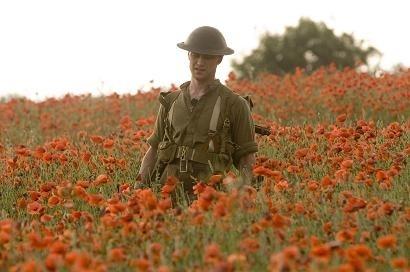 James McAvoy in una scena del film Espiazione (Atonement)