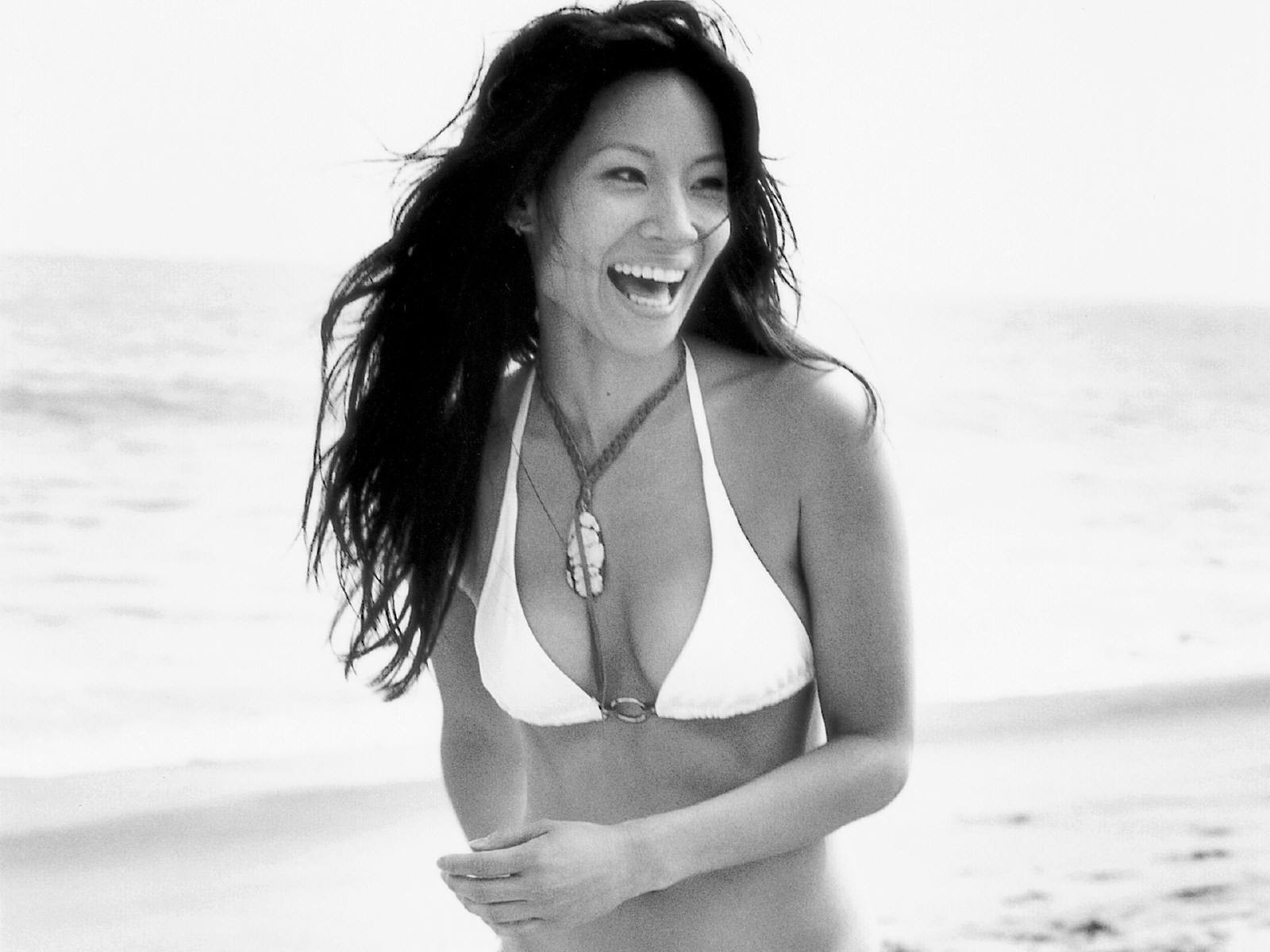 Wallpaper di Lucy Liu 37