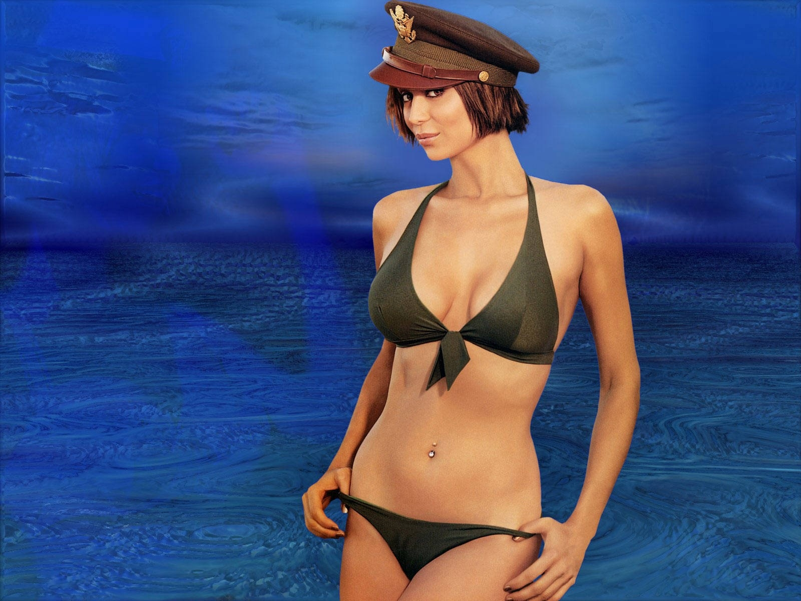 Wallpaper di Catherine Bell in versione sexy-militare
