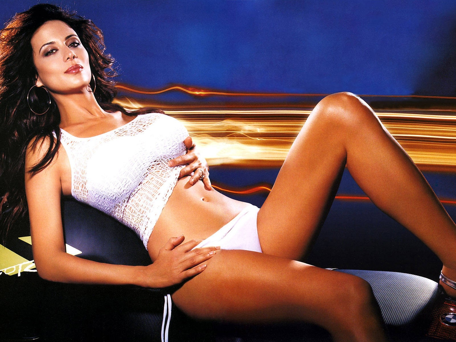 Wallpaper di Catherine Bell in sexy lingerie bianca