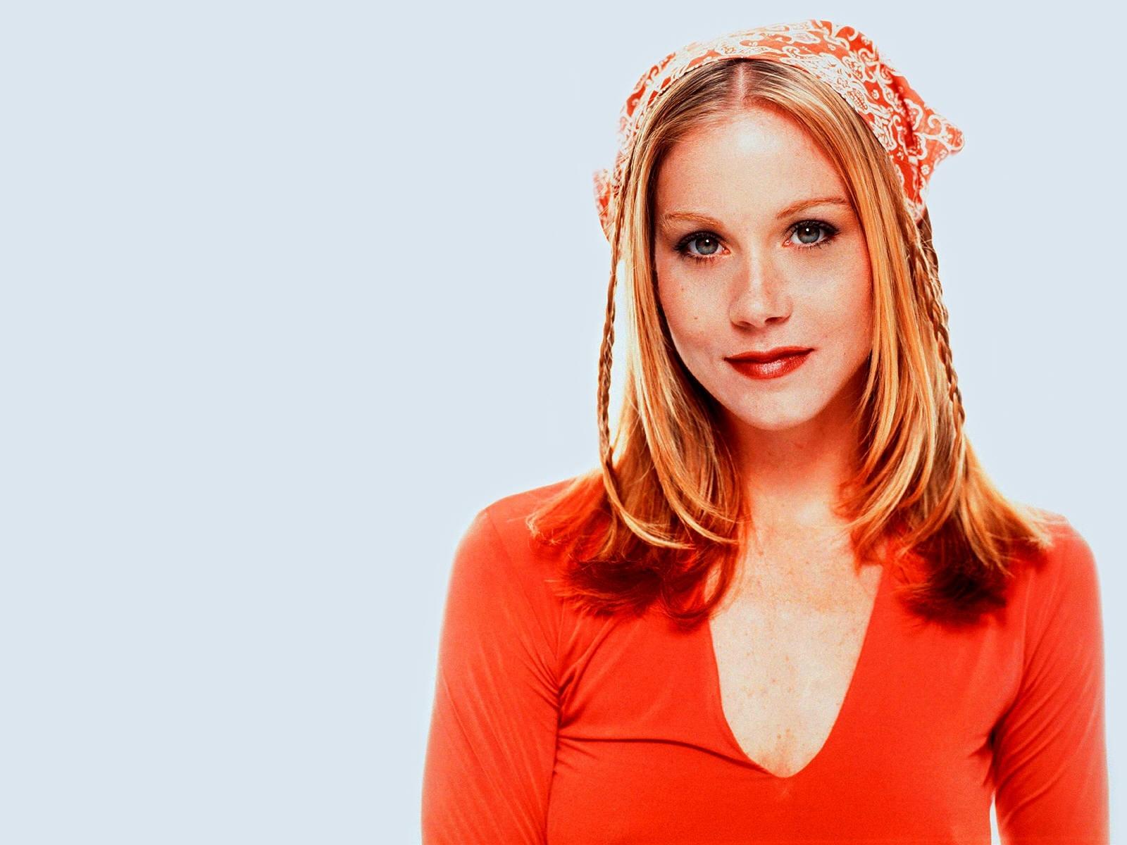 Wallpaper: Christina Applegate in abito rosso