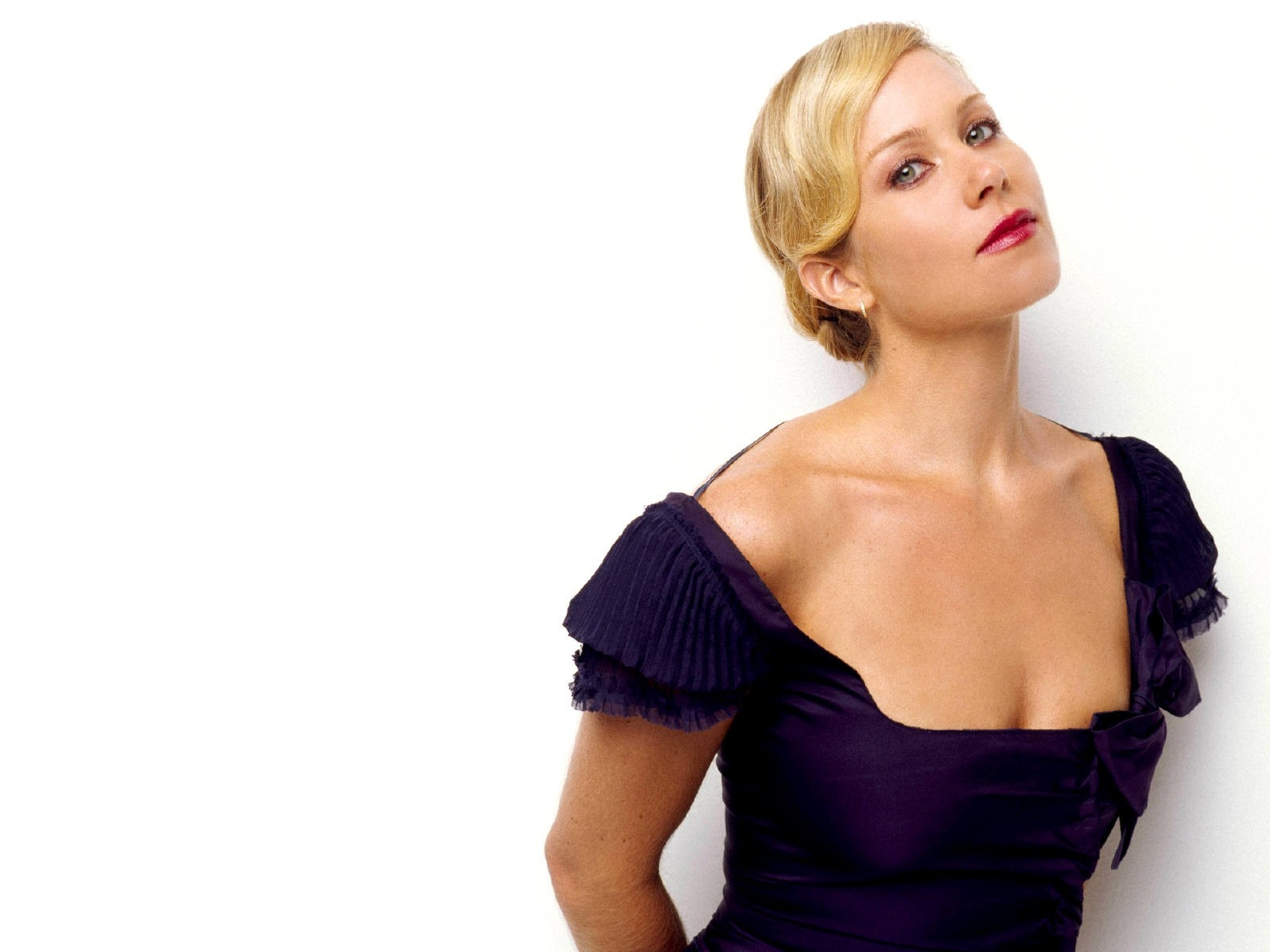 Wallpaper: una seducente immagine di Christina Applegate