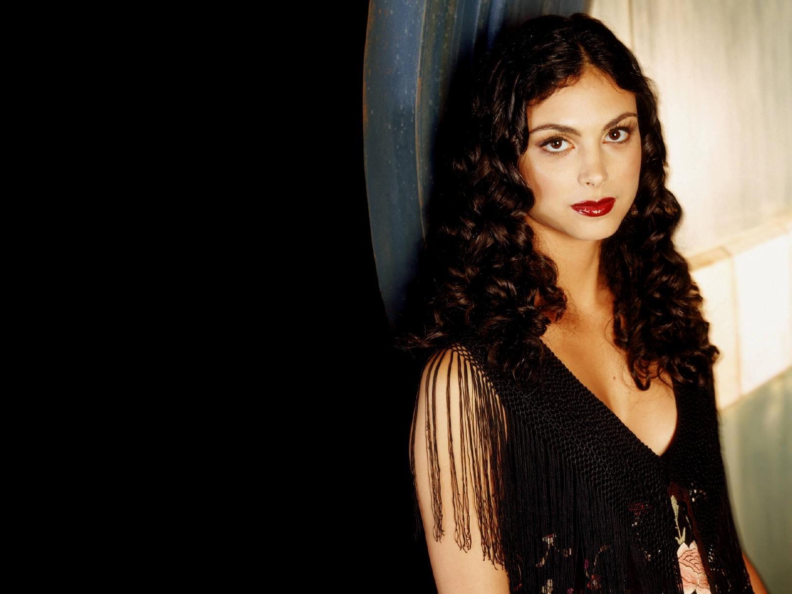 Wallpaper di Morena Baccarin - l'attrice è nata il 2 giugno 1979