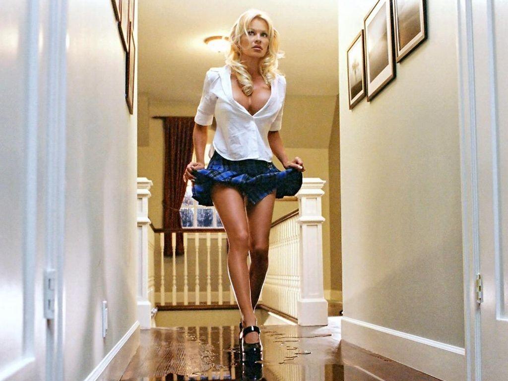 Wallpaper di Pamela Anderson nel film Scary Movie 3