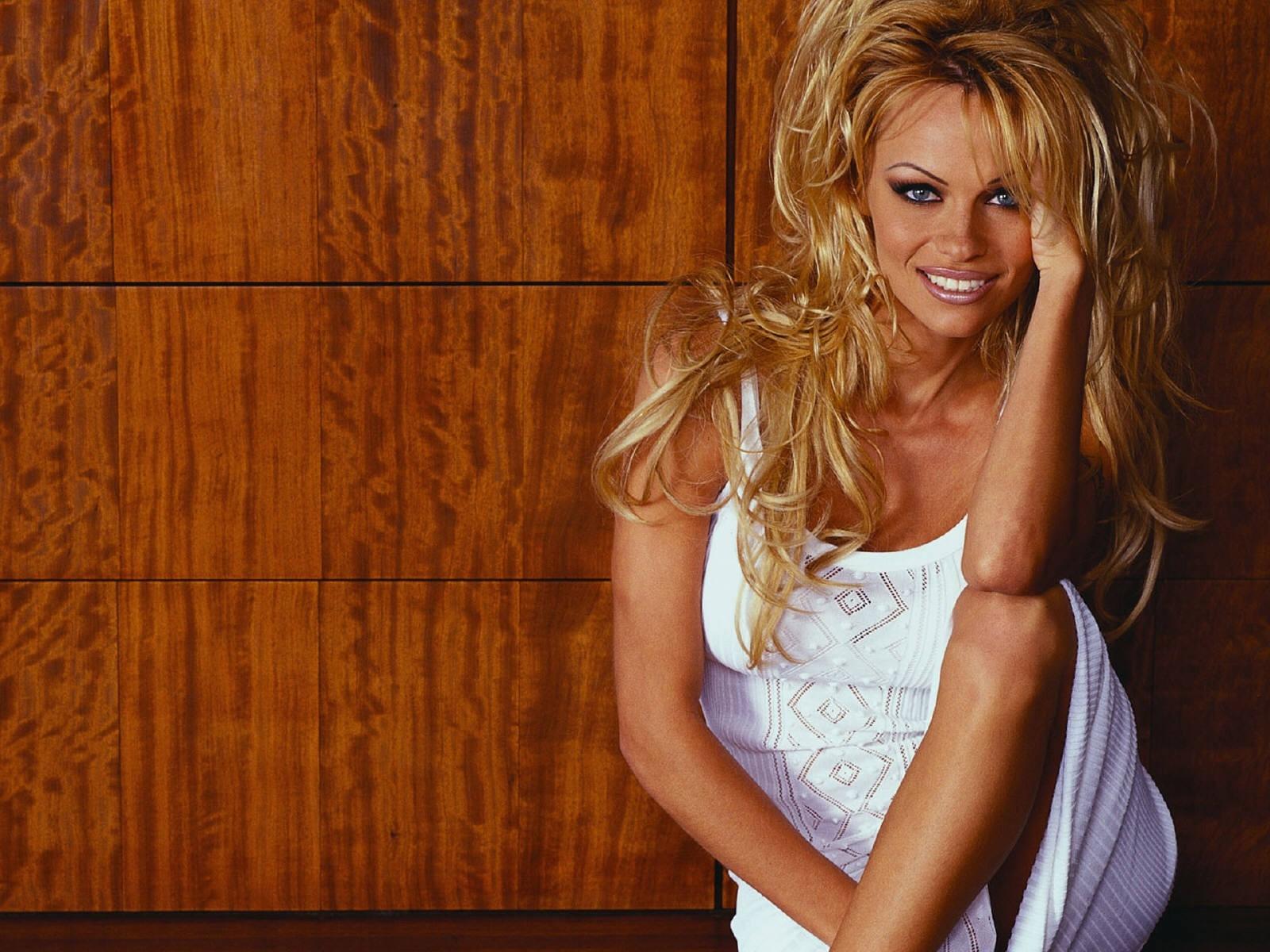 Wallpaper di Pamela Anderson
