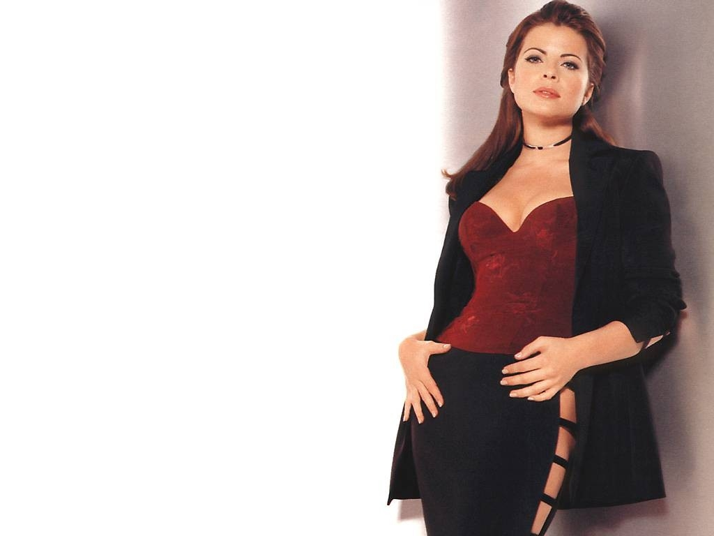 Wallpaper di Yasmine Bleeth - 8