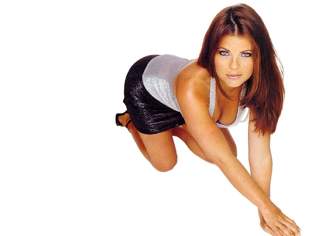 Wallpaper di Yasmine Bleeth - 10