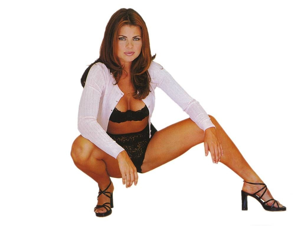 Wallpaper di Yasmine Bleeth - 12